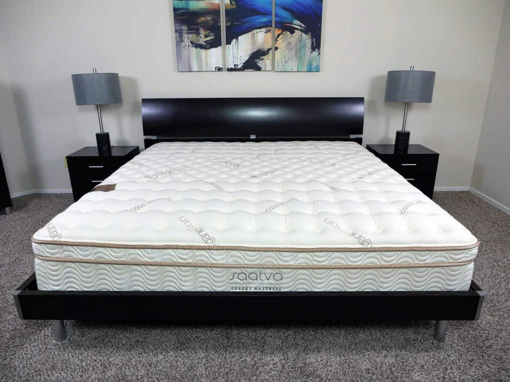 Saatva vs simmons beautyrest black mattress review for Saatva mattress