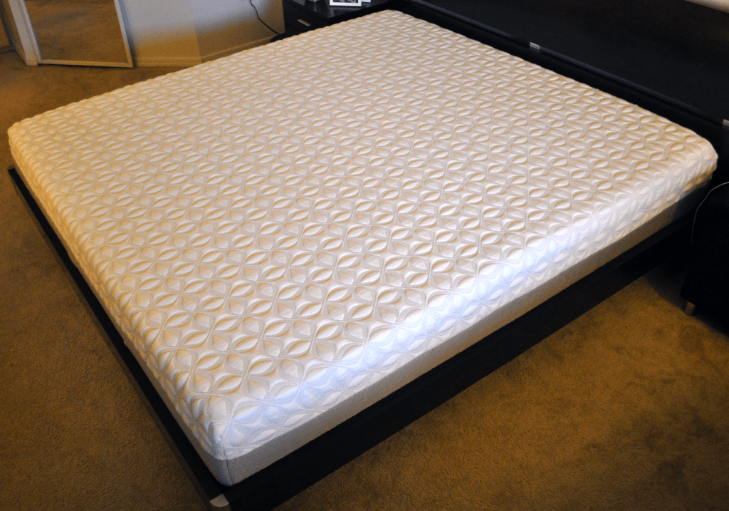 Zotto mattress, side angle
