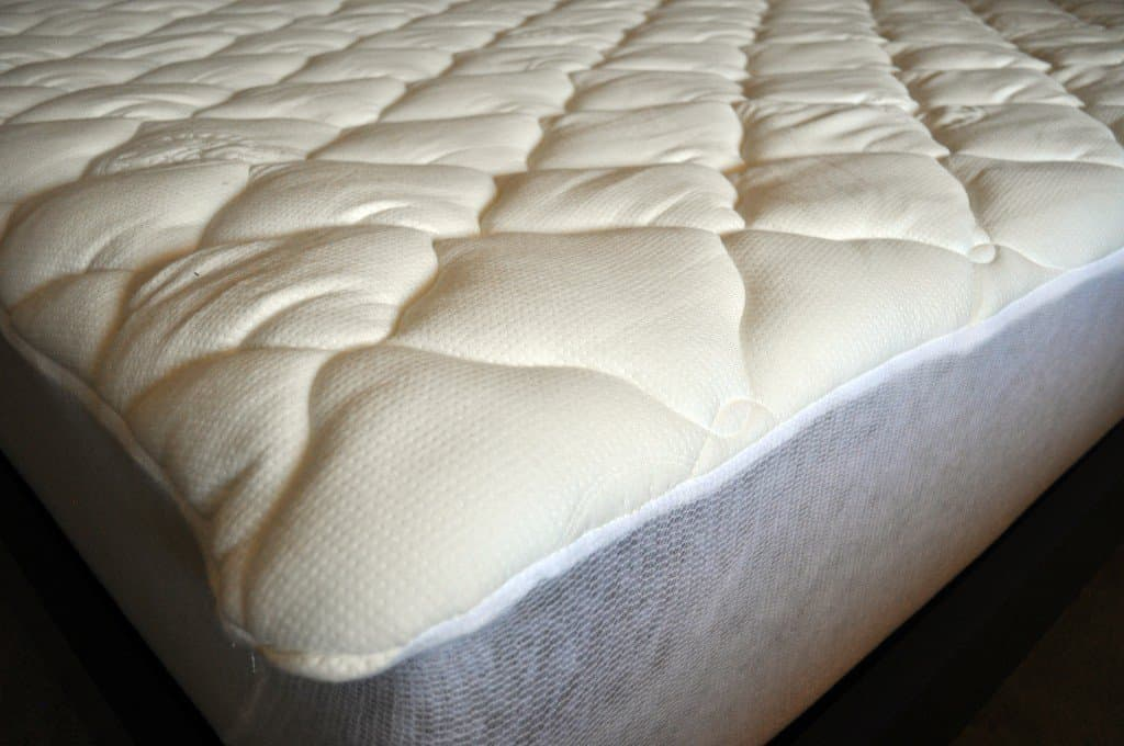 eLuxurySupply bamboo mattress pad close up shot
