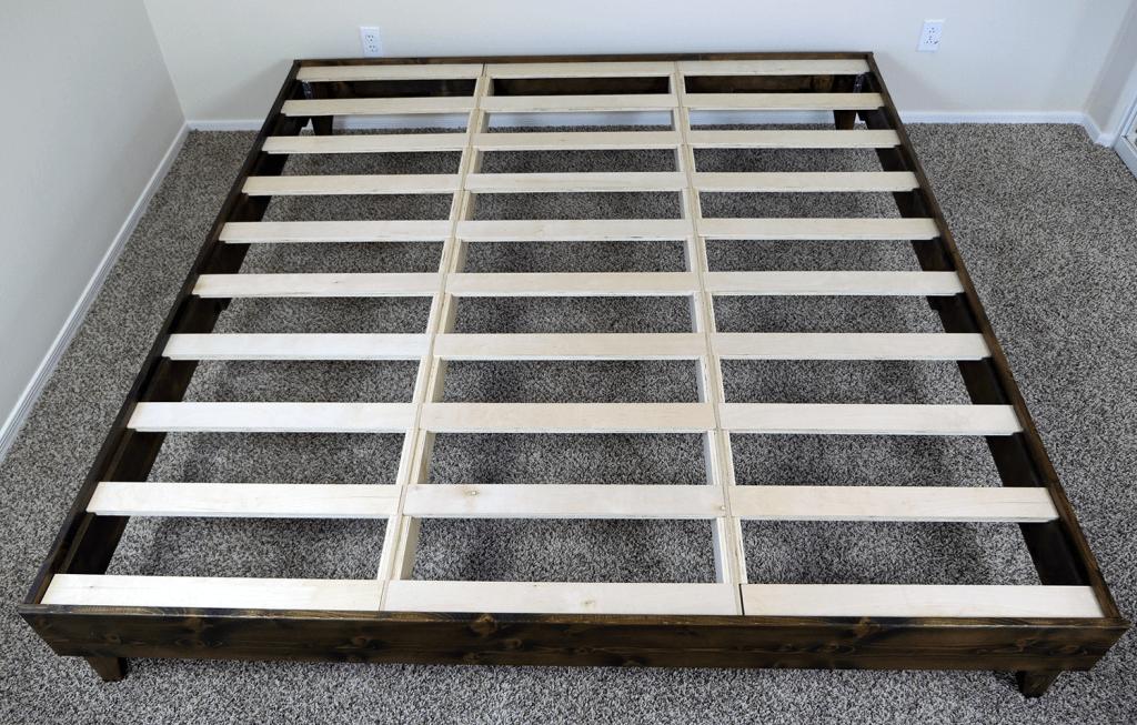 King size eLuxurySupply platform bed