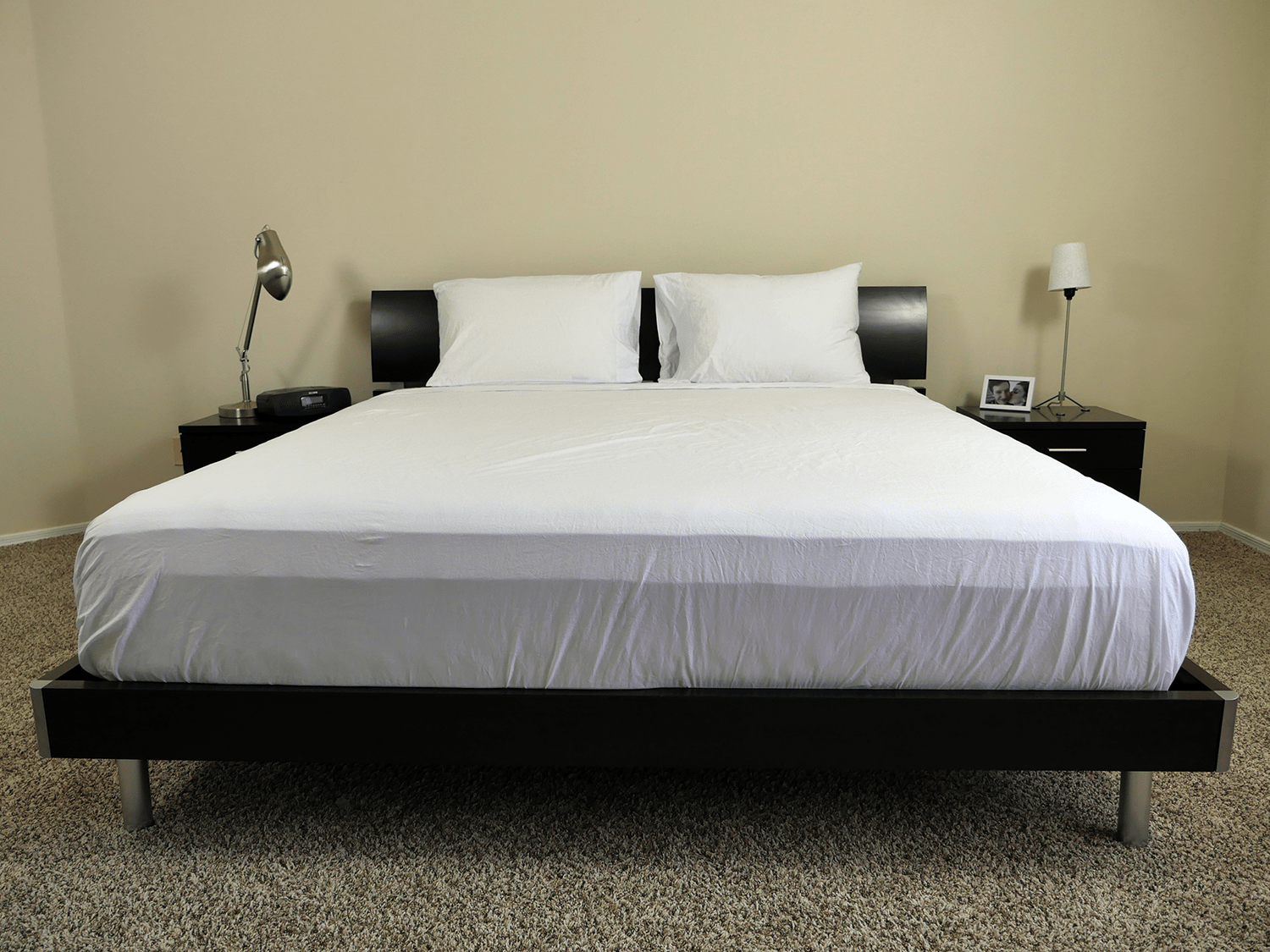 Authenticity 50 sheets on a King size mattress