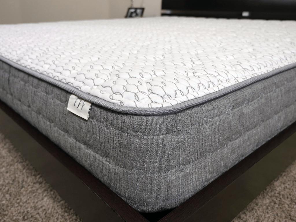 Close up shot of the Brentwood Sierra mattress