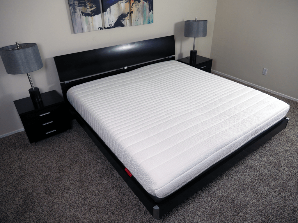 Angled view of the Luxi mattress