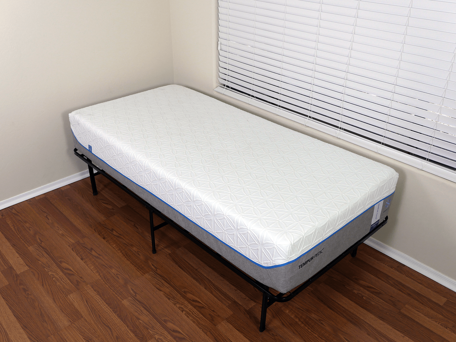 angled view of the tempurpedic cloud supreme breeze mattress