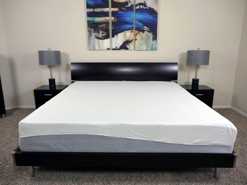 Zinus memory foam pressure relief mattress, King size
