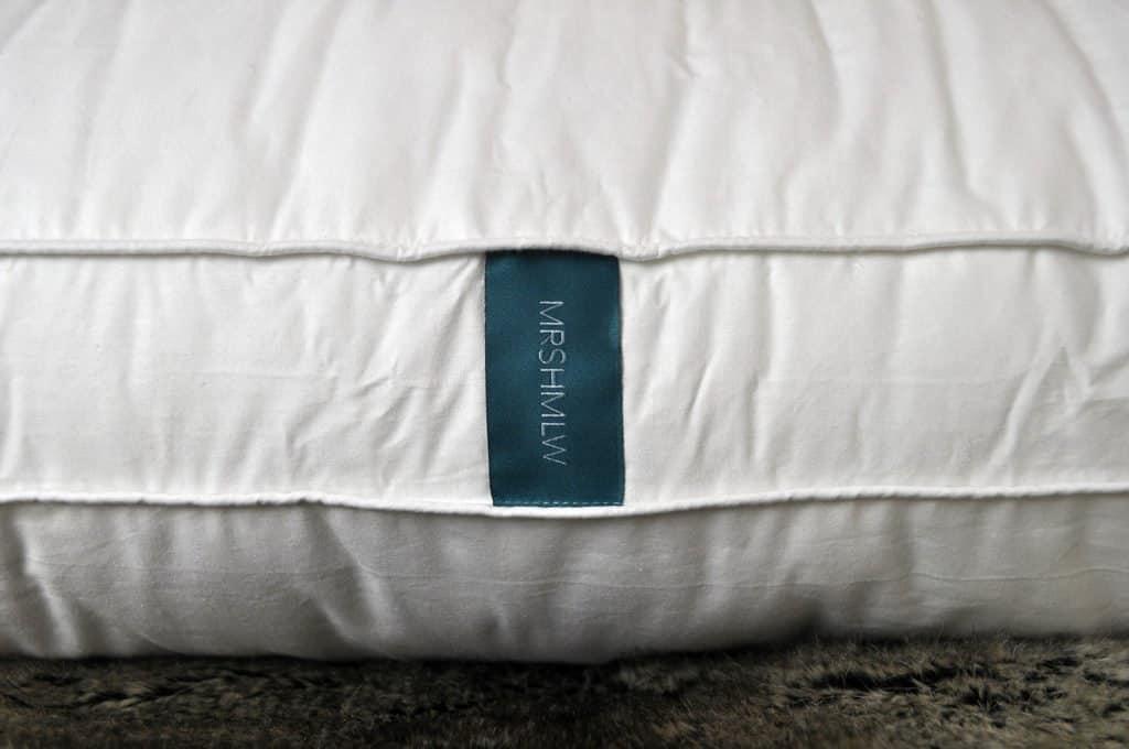 marshmallow-pillow-logo-detail