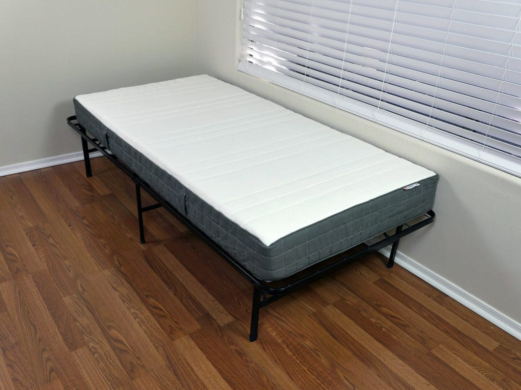 free angled view of the morgedal mattress with hyllestad matras review. Black Bedroom Furniture Sets. Home Design Ideas