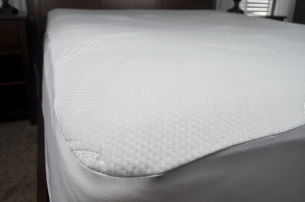 slumber cloud dryline mattress protector detail