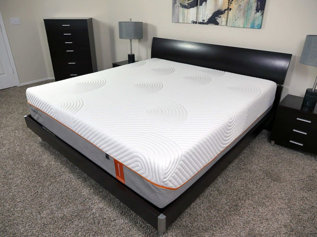 Angled view of the Tempurpedic Contour Rhapsody Luxe mattress