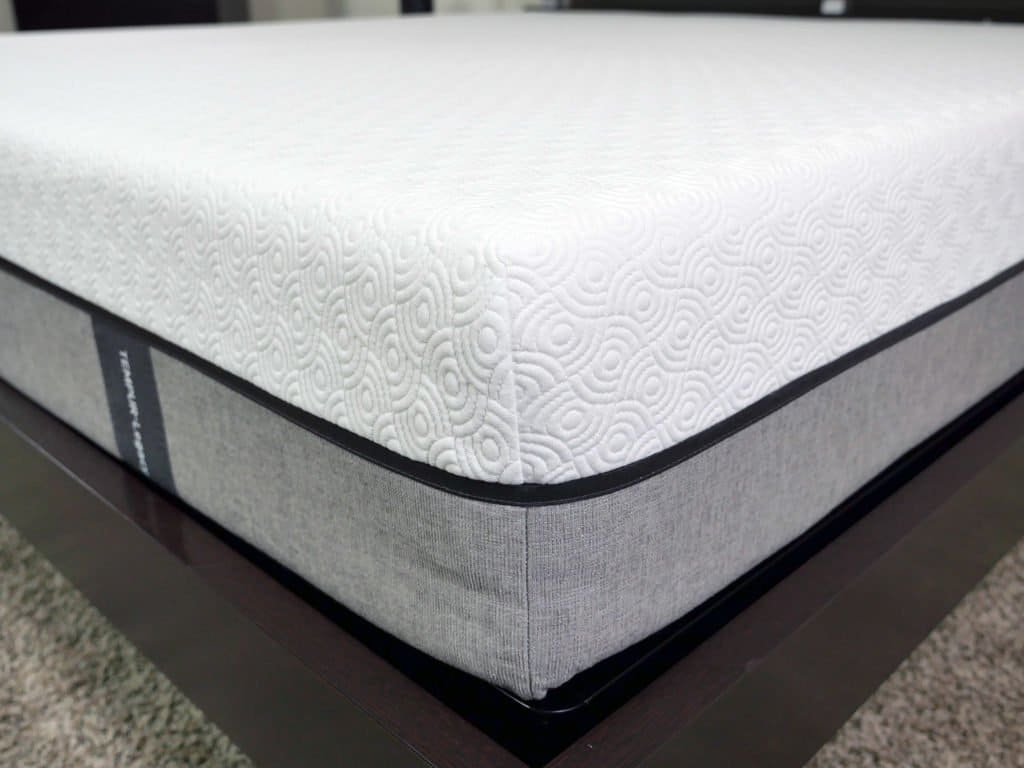 Close up shot of the Tempurpedic Legacy mattress cover
