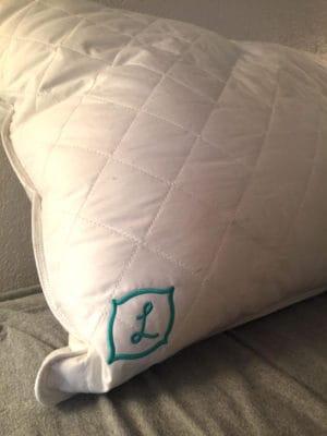 L Pillow Logo