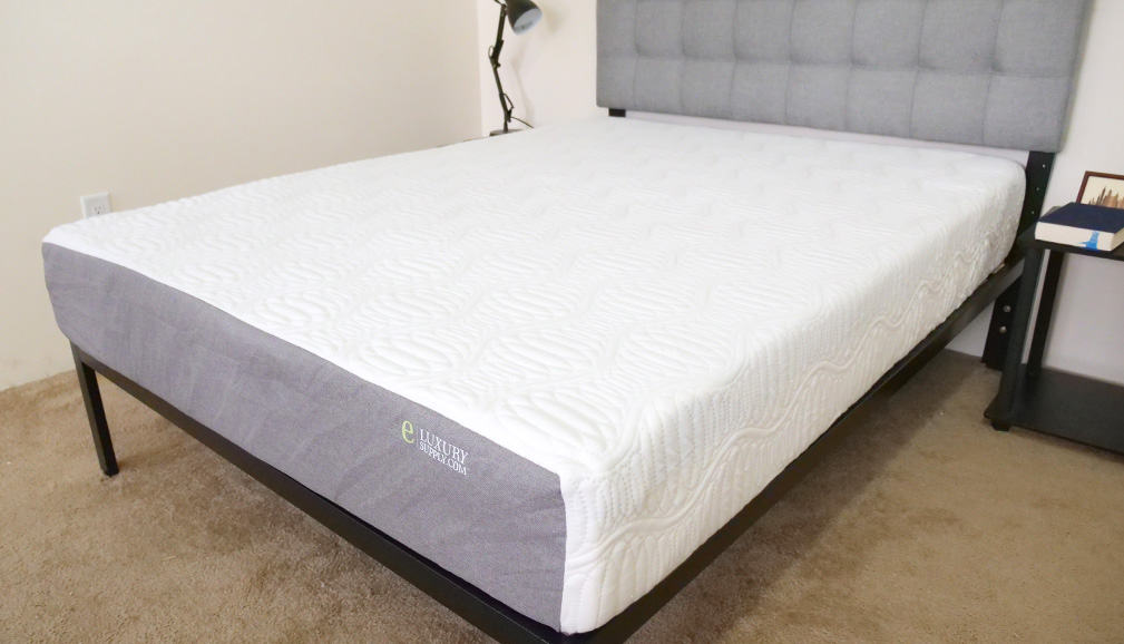 eLuxury Supply Mattress Corner View