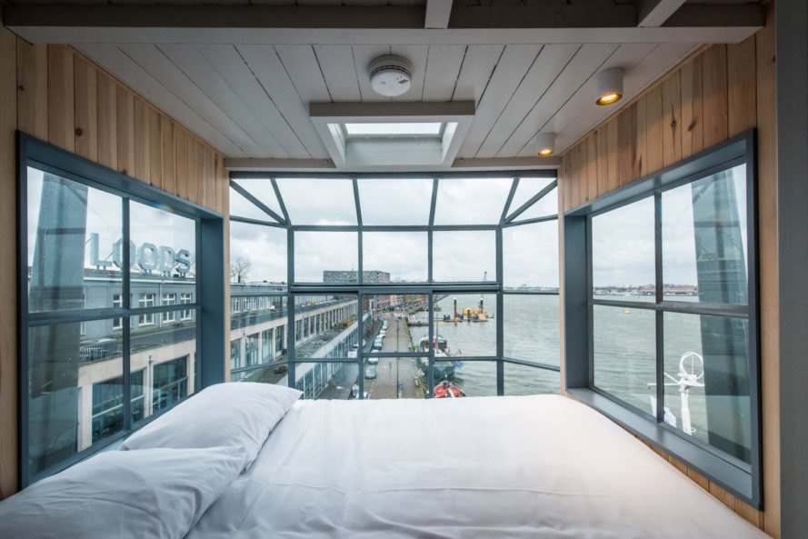 yays-crane-apartment-2 The 3 Craziest Places to Sleep in 2018