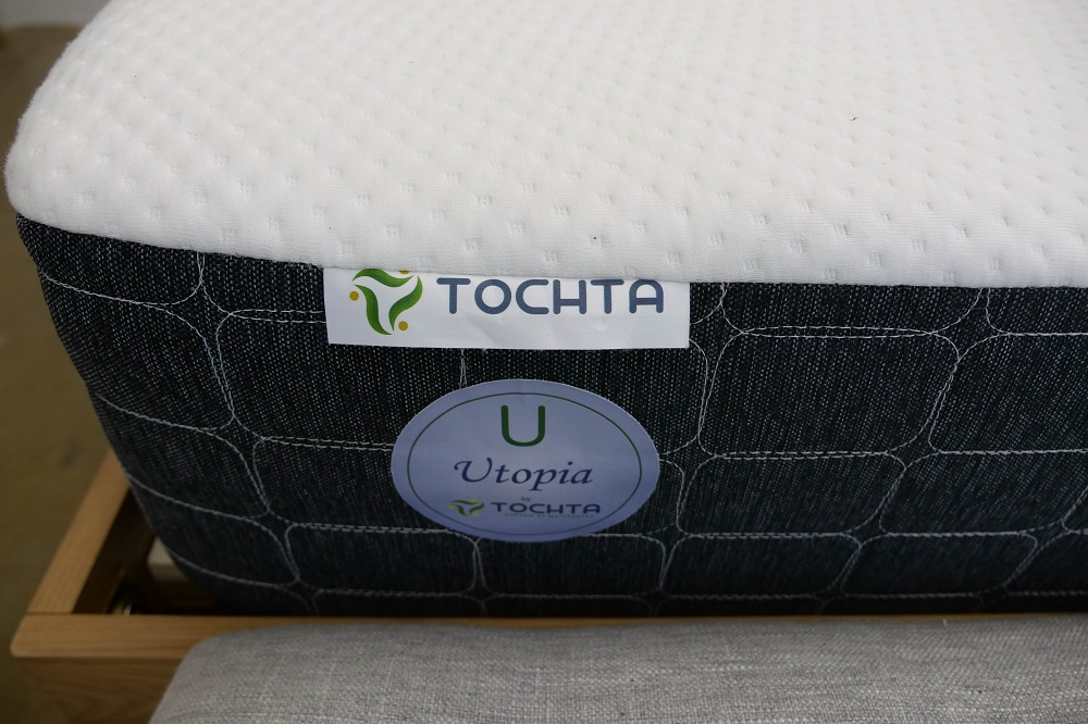 Tochta Utopia Label
