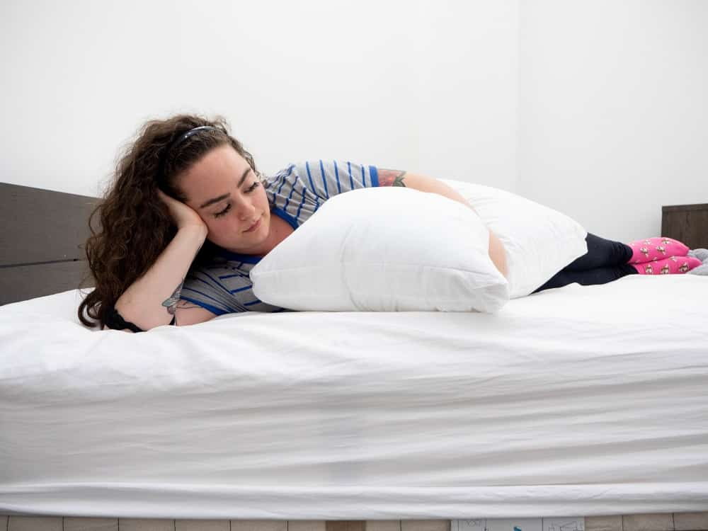 Side holding the Sleepgram pillow