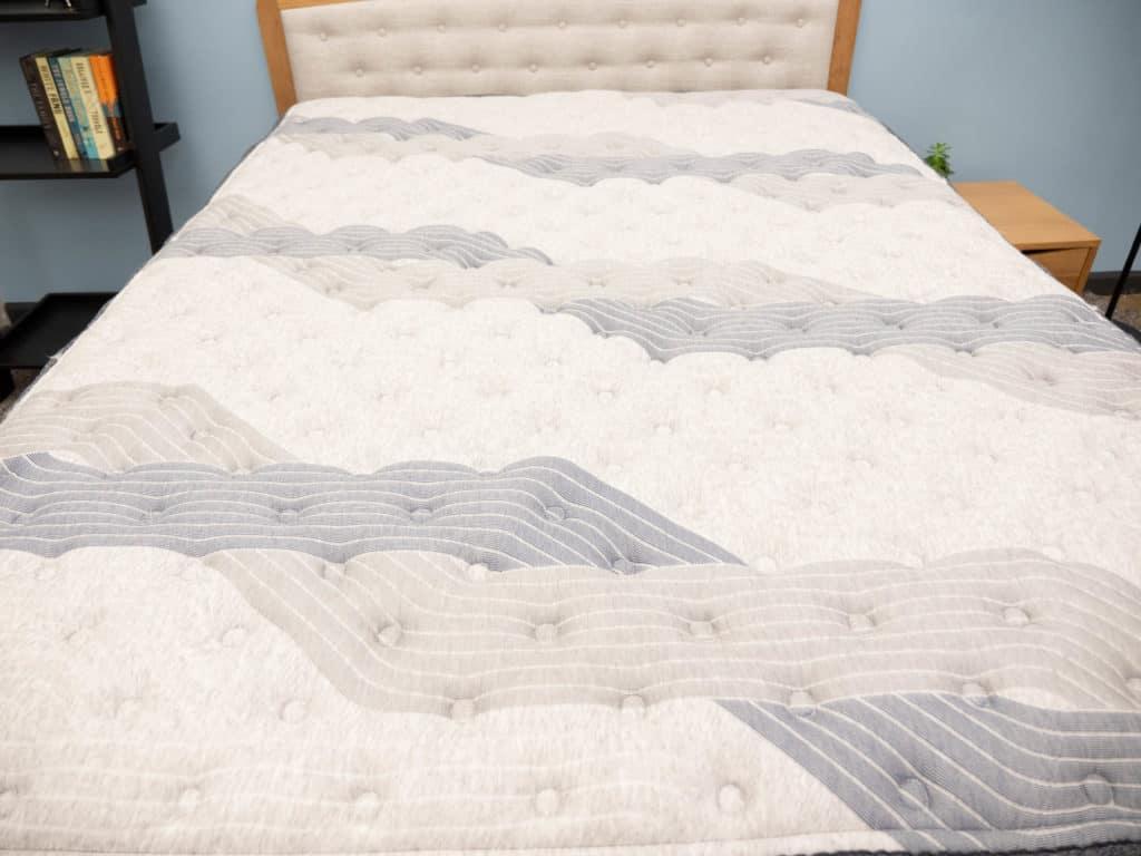 Serta iComfort Hybrid mattress cover
