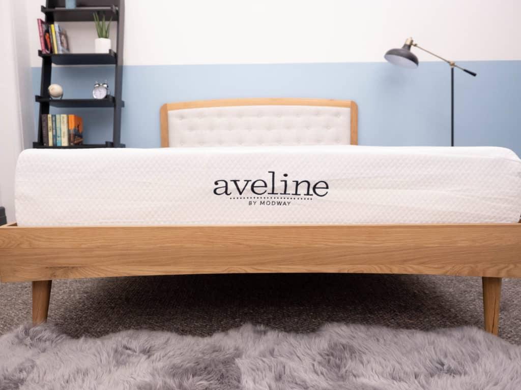 Aveline Logo