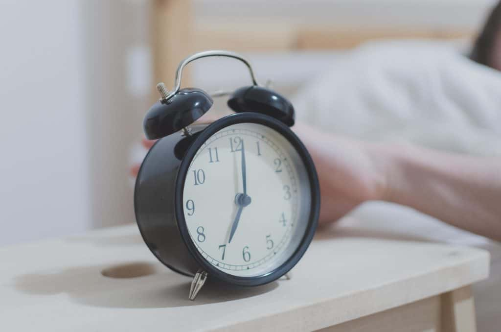 alarm-alarm-clock-analogue-280257-1024x678 Gaining Weight? Your Irregular Sleep Schedule Could Be To Blame