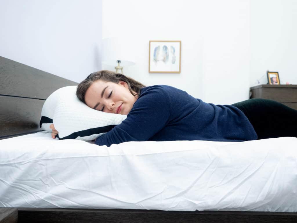 Luxi Pillow Sarah Stomach