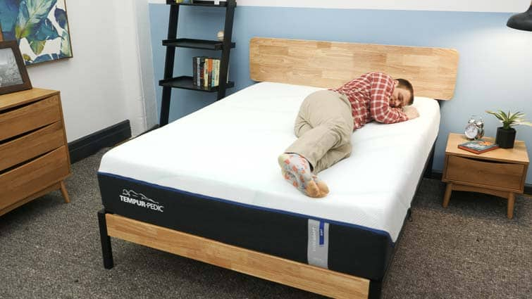 Side sleeping on the Tempur-Pedic LuxeAdapt mattress