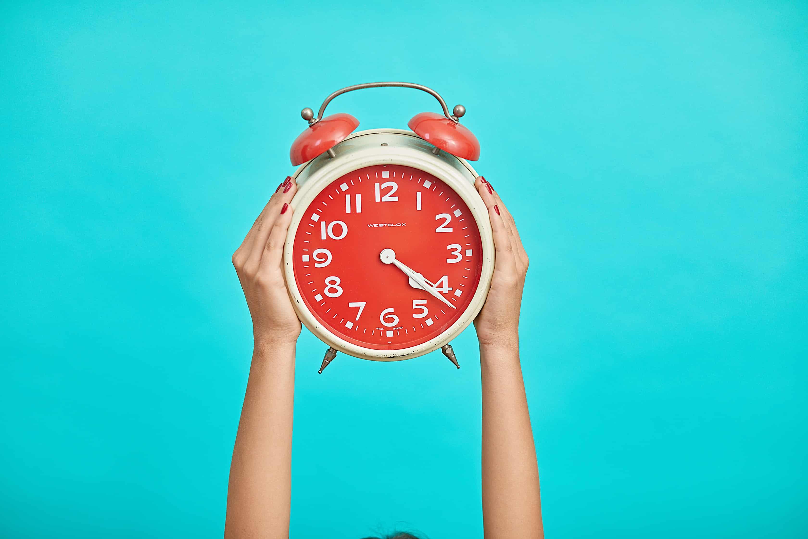 How much sleep article, Sleep A-Z, alarm clock image