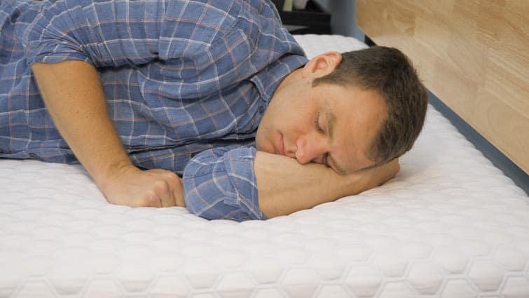 Side sleeping on the Molecule mattress
