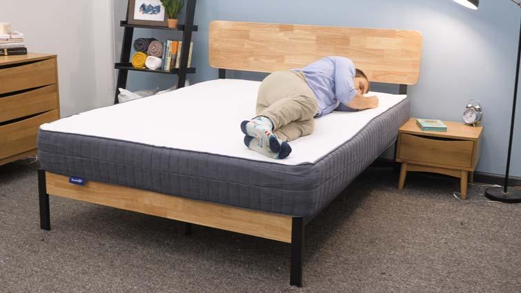 Side sleeping on the SweetNight mattress