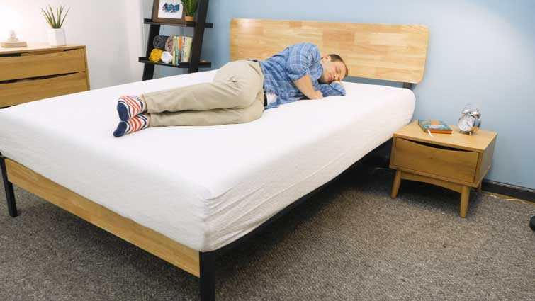 Side sleeping on the Zinus Memory Foam mattress