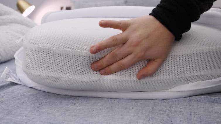 Casper Foam Pillow layers
