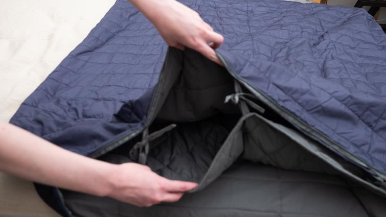 A look inside the True Temp weighted blanket.