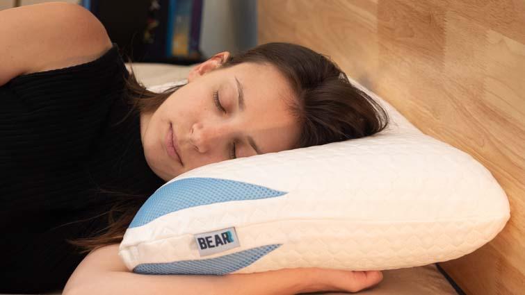 bear-pillow-side